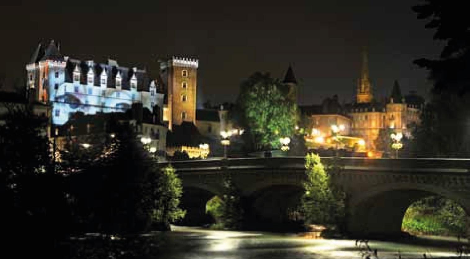 Chateau-Pau-nocturne
